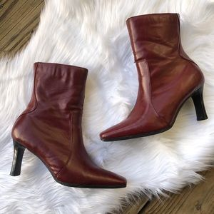 VTG RED HEELED BOOTIES